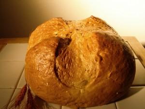 Gömbölyű kilós kenyér
